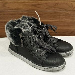 New Naturino Express Black Teodora Sneaker size 12